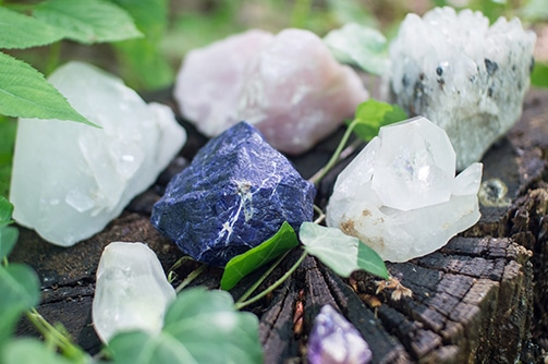 healing-crystals-care